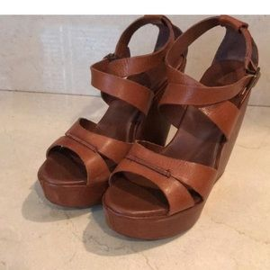 Kork-ease brown leather wedges. Great condition!